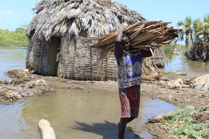 Las inundaciones de los lagos desplazan a miles de personas y dañan los  medios de subsistencia . - Alerta Geo